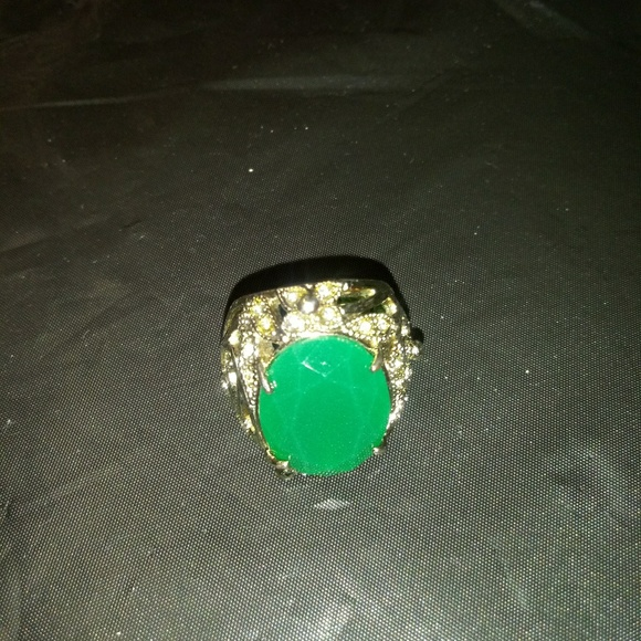 Can not find it. Jewelry - Ring